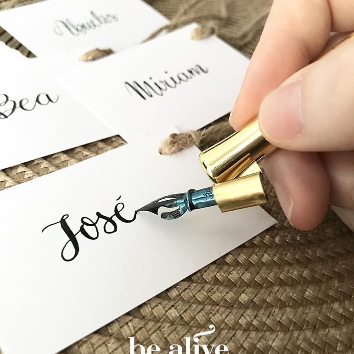 Etiquetas con nombre caligrafiado